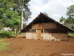 L'école du 1er village juste avant le parcours.